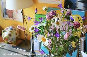 Büro, Sommer, Schreibtisch, Wildblumen