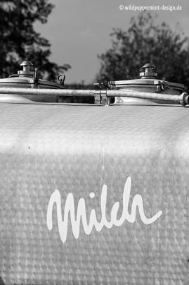 milch, milch transport, sw foto, wildpeppermint-design.de